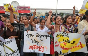 1374171675-sri-lankan-inter-university-students-federation-protest_2266656