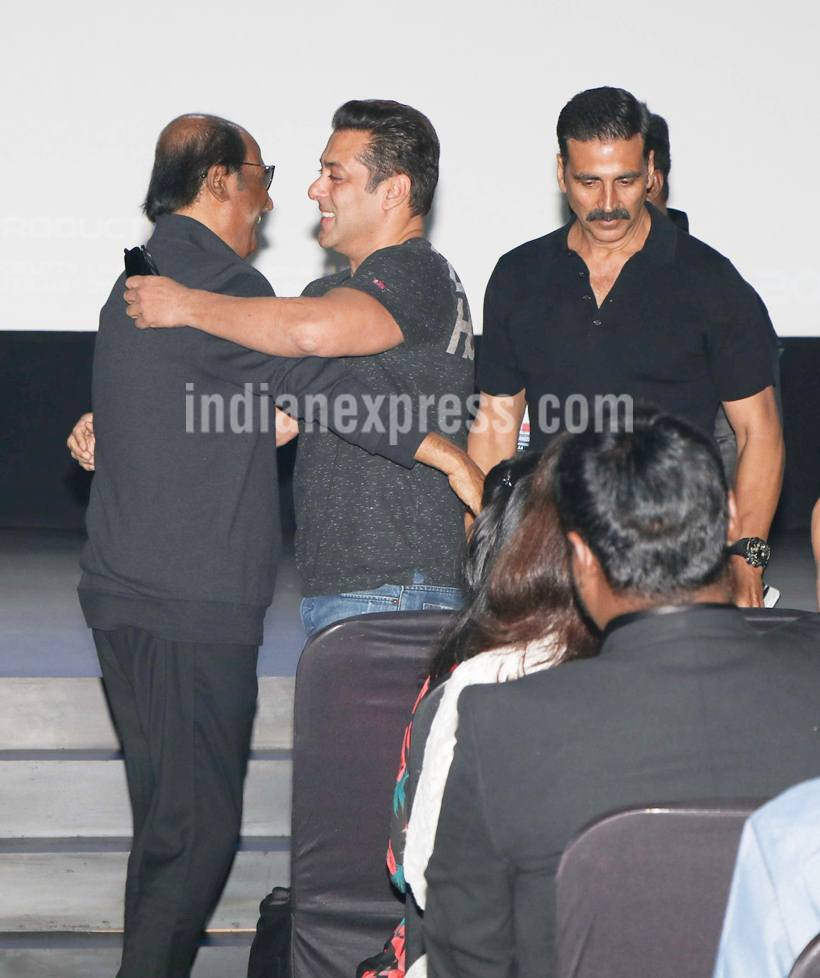 """Salman also had high words of praise for Akshay Kumar. Calling him Akki, Salman said, """"He is very talented and hardworking. He is the only actor who has grown further and further while all of us have remained stagnant."""" The superstar Khan also praised the first look of 2.0 and said that he was eagerly looking forward to watching the film post its release. (Source: Photo by Varinder Chawla)"""